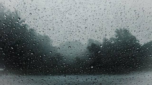 raindrops-828954